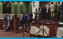 پارلمان در تاکسی