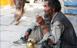 بیخانمانهای از یاد رفته