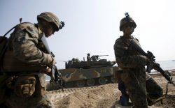 گزینهی اعزام ۱۲۰ هزار سرباز امریکایی به خاورمیانه، روی میز ترامپ قرار دارد