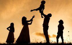 مادر و پدر به همجنس خود توجه بیشتری دارند