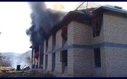 طالبان ساختمان ولسوالی بالامرغاب بادغیس را آتش زدند