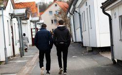 دشواریهای زندگی پناهجویان افغانستان در آلمان