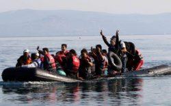 کشتیهای حامل ۶۵۰ پناهجو وارد یونان شد
