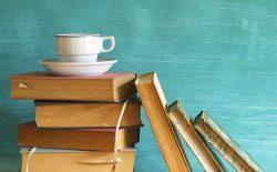 کتابخوانی و شاعران مقدس