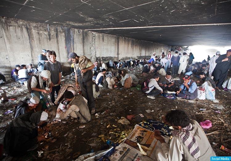 کربلایی بدقار» سرآشپز معتادان پل سوخته - روزنامه صبح کابل