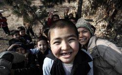 سردی هوا و لبخندهای مصنوعی کودکان کار