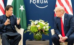 دونالد ترامپ و عمران خان در مورد صلح افغانستان گفتوگو کردند