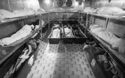اجساد ۱۳ مسافر افغان در سردخانههای ایران