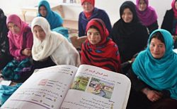 موانع زنان افغان برای تحصیل در آن سوی مرزها درآمدی بر حقوق زنان