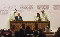 توافقنامهی صلح میان امریکا و طالبان امضا شد
