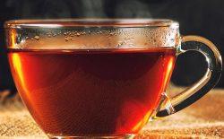نوزادی با چای سیاه هزاران نفر را پشت نخود سیاه فرستاد