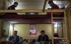ویروس کرونا جنگ و صلح را در افغانستان پیچیده کرده است