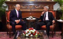زلمی خلیلزاد با وزیر خارجهی هند در مورد صلح و بحران سیاسی در افغانستان گفتوگو کرد