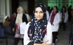 سلیمه رحمان؛ پزشک افغان که روزانه جان ۲۰ تن را در پاکستان نجات میدهد
