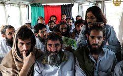 تأکید زلمی خلیلزاد و ملا برادر بر تسریع تبادلهی زندانیان و آغاز گفتوگوهای بینالافغانی