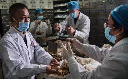 کووید-۱۹، طب سنتی چین و طب غربی را با هم آشتی میدهد