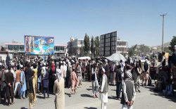 باشندگان روستای آرزوی شهر غزنی شاهراه کابل – کندهار را مسدود کردند