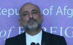 حنیف اتمر: گروه طالبان هیچ بهانهای برای تأخیر در مذاکرات مستقیم ندارد