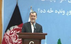 سرور دانش: گروه طالبان باید هرچه زودتر پای میز مذاکره حاضر شود