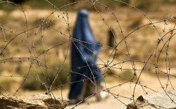 با آمدن طالبان تجربهی سالهای ۱۹۹۰ بر زنان تکرار میشود