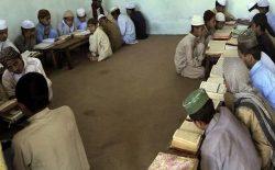 پولیس کابل از انتقال کودکان به مدارس طالبان جلوگیری کرد