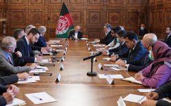 غنی در دیدار با خلیلزاد: صلح باید متناسب با واقعیتهای جدید افغانستان باشد