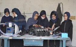 دختران رباتساز افغانستان ربات ماینروب ساختند