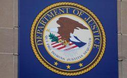 وزارت عدلیه امریکا: روزنامهنگاران مجبور نیستند منابع خود را فاش کنند