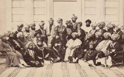 در میانهی سیکها، افغانها و بریتانیاییها؛ هویت سیاسى پشتون در پشاورِ قرن نوزدهم