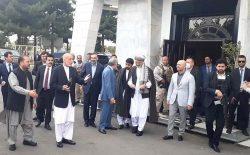هیئت مشترک دولت و سیاستمداران، برای گفتوگو با طالبان به قطر رفت