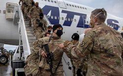 افزایش حملات طالبان در افغانستان؛ امریکا و بریتانیا دوباره نیروی نظامی میفرستند
